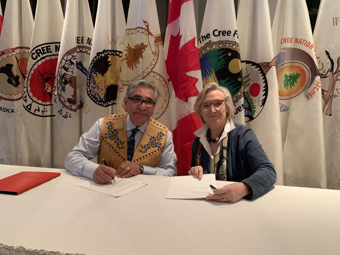 Grand Chief Abel Bosum and Minister Carolyn Bennet